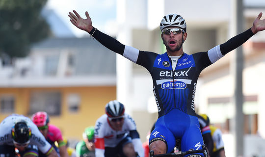 Fernando Gaviria steals the show in Tirreno-Adriatico
